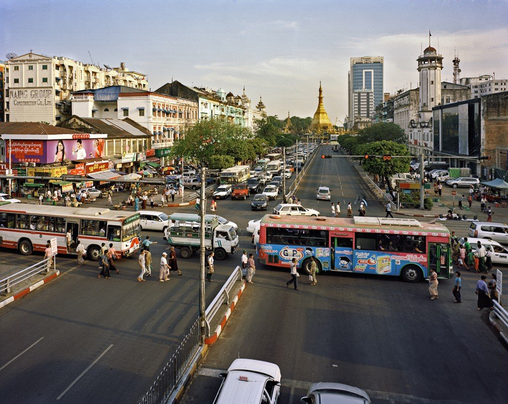 Intersection of Sule Pagoda Road and Anawratha Road. [Andrew Rowat]